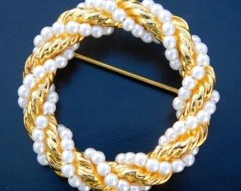 Vintage Gold & faux pearl Brooch, Wreath style small pearls wrapped around ring, Bright golden color 1960 Fashion Jewelry