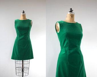 vintage 1960s dress / 60s green velvet dress / 60s green shift dress / 60s velvet party dress / 60s holiday dress / small medium med m s