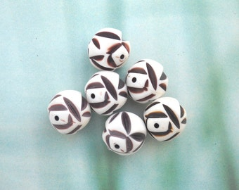 Ethnic Vintage Acrylic Beads, Chunky Round Beads, Brown White Beads, Indented Beads, 6