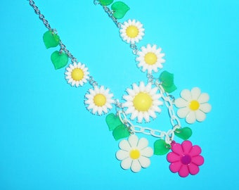 Crazy Daisy Necklace