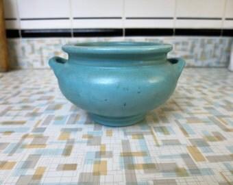 Arts-and-Crafts-Style-Matte-Glaze-Green-Handled-Pot-Vase
