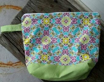 Zippered project bag,  WIP bag, Makeup bag, medicine bag, knitting bag, Crochet bag, weaving bag, cross stitching bag