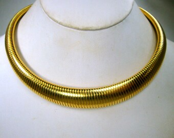 Egyptian Revival BIG Gold Metal Necklace,  OMega Neckring, Warrior, Modernist, Minimalist, Classic, 1980s, Hinged Catch