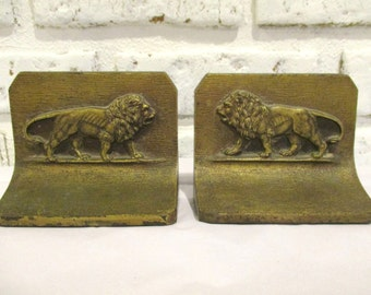 Vintage Bradley B & Hubbard H Cast Iron Lion Gothic Bookends Door Stop Paperweight