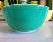 PYREX ~ Green ~ 2 1/2 Qt. ~  #403 ~ Primary Mixing Bowl ~ Numbered