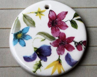 Artistic Flower Round Pendant - almost 1 1/2""