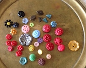 36 Many Colored Flower Buttons, Vintage Buttons, 3 dozen flowers