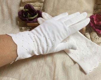 Vintage white woven nylon gloves, above wrist white gloves, lattice embroidery white gloves, bride's white gloves, white wedding gloves
