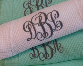 8 Bridesmaid Robes Personalized robes Waffle weave short robes Monogram or Names on Front and Titles Bride, Maid of Honor, Mint robes.