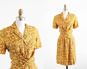 vintage 1940s dress / 40s dress / Mustard Novelty Print Swing Dress