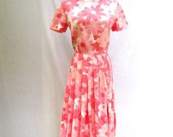 ON SALE 60s Pink Daisy Print Dress size Small to Medium Pleated Day Dress