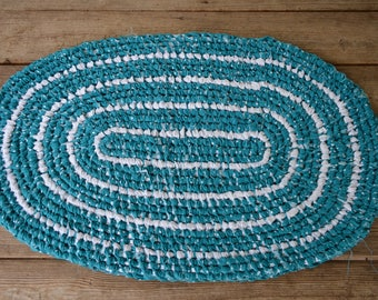 Teal and White Oval Rug, Rag Rug, Toothbrush/Amish-Knot Rug, Crisp and Clean