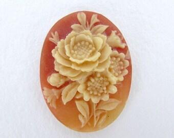 Vintage Flower Cabochon Cameo Dark Ivory Rose on Carnelian Plastic 40x30mm pcb0334 (1)