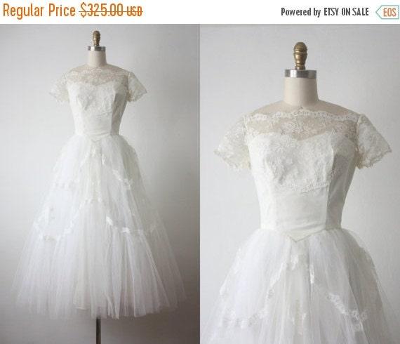 25% SALE 50s Wedding Dress / 1950s White Lace By 1919vintage