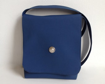 Small shoulder bag in blue, Vinyle shoulder bag, Vegan purse, vinyle purse, blue vinyle purse, small handbag
