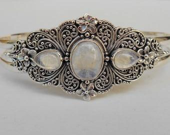 Balinese Bangle Silver sterling Moonstone gemstone bracelet / silver 925 / Bali  jewelry