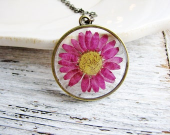 Purple Daisy Necklace, Pressed Flower Necklace, Nature Jewelry, Garden Flowers, Resin Jewelry, Real Dried Flowers Necklace
