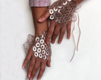 Blush Bridal Fingerless Gloves Powder Pink Sequin Bridesmaids Wrist Cuff Shiny Pastel Corsage Bridal Bracelet Evening Hand Wedding Accessory