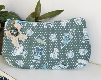 Retro fabric  purse, make up bag , crafts  , handmade,Claudia Candeias, ready to ship
