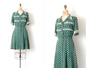 vintage 1940s dress / 40s novelty print cold rayon dress / green palm trees