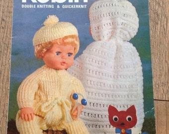 Vintage Dolls Knitting Pattern, Vintage Dolls Clothes ,Vintage Knitting Pattern,Dolls Cape