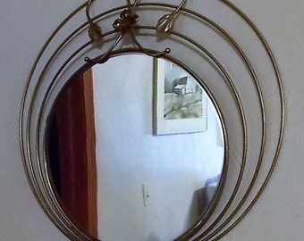 Brass Wall Mirror, Mirror Accent, Brass Colored Metal Frame, Wall Hanging, Focal Point, Retro Mirror, Round Mirror Decor, Wall Sculpture