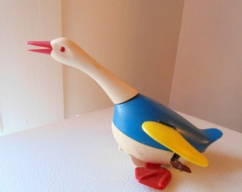 Mechanical Duck, Donald Duck, Western Germany, Moving Duck, Vintage duck Toy, walking duck toy, Plastic duck with wings, Wind up toy, flying