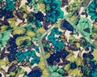 Absolutely gorgeous Mid Century Luncheon Cloth Napkins in Turquoise and Greens Floral set of 5