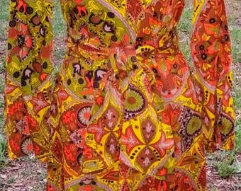 1970s Ethnic Bold Print Dress