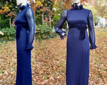 70s Bridesmaid Dress, 70s Prom Dress, 70s Costume,  Vintage Evening Gown, Vintage Dress,, 70s Dress by Dorothy Stead in Blue Size 4