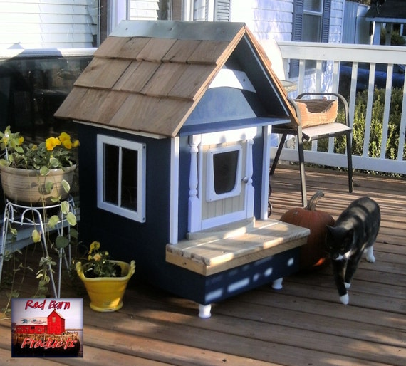 Red Barn Custom Heated Cat Dog House