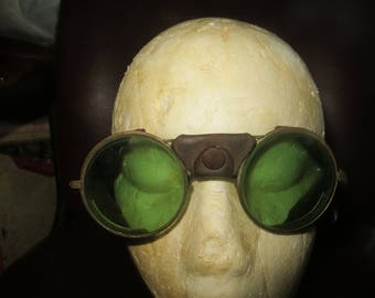 ANTIQUE 1900s  WW 1  pilot  Goggles  Glases AVIATOR/   Motorcycle steampunk glasses brass and leather