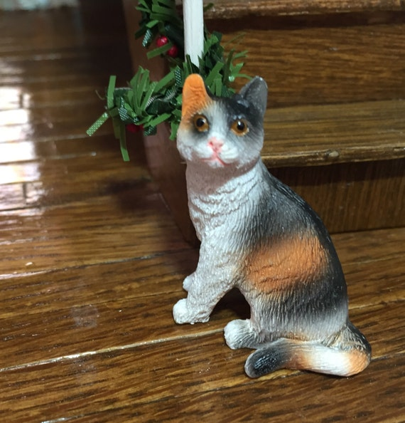 Miniature Cat Figurine Style 4, Dollhouse Miniature, 1:12 Scale, Dollhouse Size Figurine