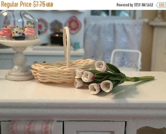 SALE Miniature Tulips, White Tulips, 6 Stem Bunch, Dollhouse Miniature, 1:12 Scale, Mini Flowers, Dollhouse Flowers, Tulip Bunch