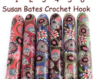 Crochet Hook, Polymer Clay Covered Susan Bates Crochet Hook, Shabby Chic Paisley Design