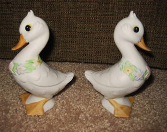 Signed Vintage Lefton Spring Ducklings-matched pair-mint-sale