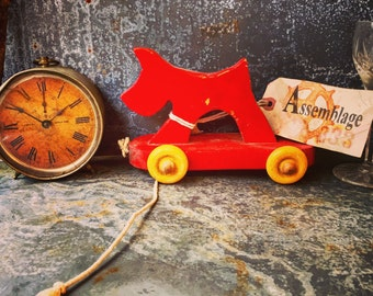 Wooden Pull Toy / Doggie on Wheels / Folk art /  Hand Painted