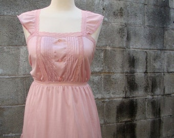 ON SALE Vintage 60s / Sea Shell / Pink / Ruffle and Lace / Camisole  / Blouse / MEDIUM