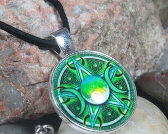 Pentacle Necklace,  Pentacle Pendant,Green Pentacle Resin Cabachon, Triple Moon Necklace, Witchcraft, Witch's Pentacle, Wiccan, Pagan