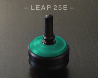 LEAP 25E GREEN – Spin Top with integrated rubber grip and ceramic tip