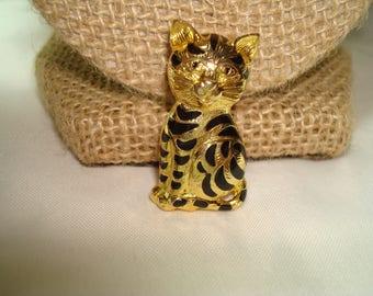 Vintage Tabby Cat Tiger Cub Golden Pin.