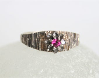 Vintage jewellery. Vintage sterling silver ring with pink crystal.  UK size P 1/2.  US size 8