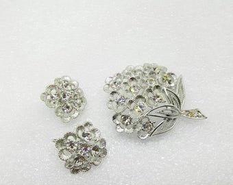 Sarah Coventry Sparkle Lites  Brooch and Clip earrings 1970  mint condition Silver tone