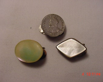 Three Antique Small Clips Mother Of Pearl & 1907 Panama Coin   16 - 692