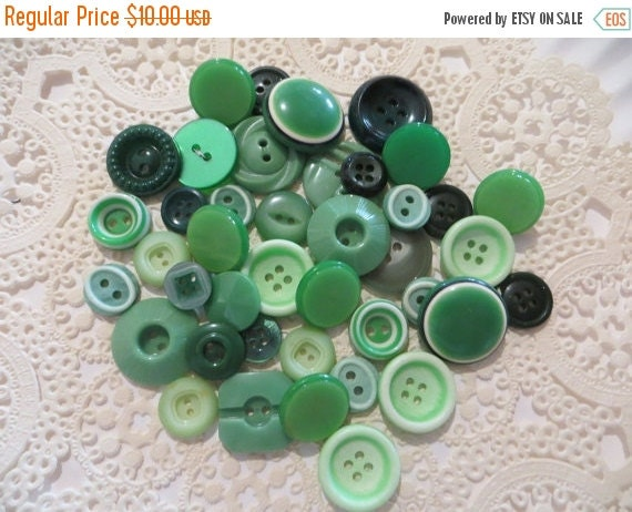 ON SALE Vintage Green Buttons-Lot-Craft-Sewing