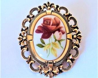 Red Rose Scarf Clip... Ceramic in Goldtone Metal