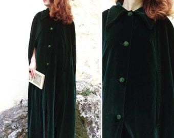1920s green velvet cape Opera coat with jewellry buttons