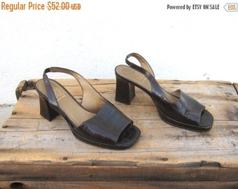 15% OFF Out Of Town SALE 90s Sandals Joan and David Crocodile Normcore Chunky Kitten Heel Slingback Sandals Ladies Size 7