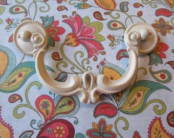 "2 Warm White Drawer Pulls 4"" Centers Borings Have Lightly Accented Gold Mid Century Traditional Drawer Pulls B-12"