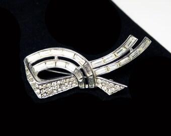 Vintage Trifari Rhinestone Brooch - Clear Chaton & Baguette Rhinestones - Art Deco Style Ribbon - 1950's Silver Tone Pin - Signed Trifari